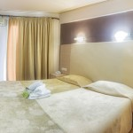 double_room_6_tselikas_hotel