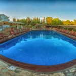 swiming_pool_and_surroundings_6_tselikas_hotel