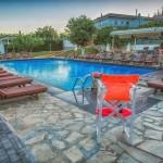 swiming_pool_and_surroundings_11_tselikas_hotel