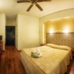 small_tab_room_hotel_tselikas