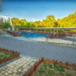 swiming_pool_and_surroundings_3_tselikas_hotel-2